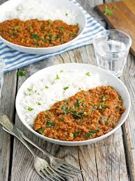vegan red lentil and spinach tikka masala