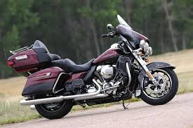liquid cooled 2014 harley davidsons 6 things to know 2014 harley davidson electra glide ultra limited