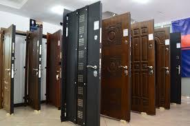 Установка стальных дверей Скорее всего это означает что предлагаемая дверь в квартиру с установкой настолько никудышная что ставить ее должны только обученные специалисты