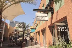 Designer Mall In Las Vegas Discount Shopping Til You Drop Living Las Vegas