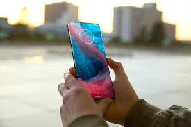 Motorola Edge 20 Pro получит OLED-экран ...