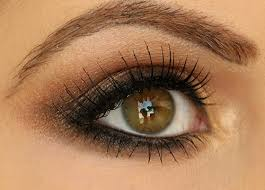 eye makeup makeup smokey eyes hot lips makeup the clic smoky eye is created with black or gray but bronze and brown are also monly used
