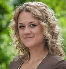Dr. Daniela Schumann - Regisseurin - Portraitbild_feller
