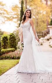 Incredible Stella York Wedding Dress Vintage Curve Hugging