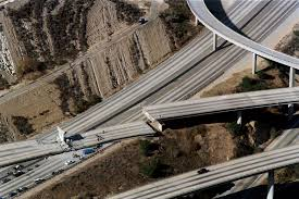 A powerful earthquake struck southern california on thursday, touching off house fires and damaging buildings in a desert town northeast of los angeles we expect to be seeing a lot of earthquakes today. Photos 1994 Northridge Earthquake In Los Angeles Business Insider