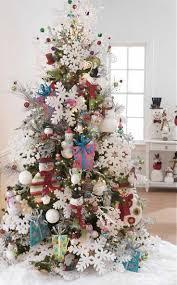 30+ Creative Christmas Tree Decorating Ideas