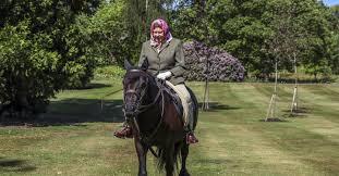 New images <b>Queen horse riding</b> Windsor Castle | Tatler