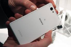 sony xperia z1 white. sony xperia z1 compact: things one should know about it white