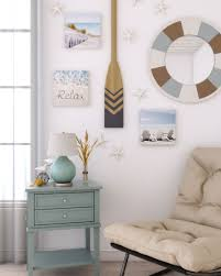 It doesn't take up any surface. 10 Beautiful And Charming Coastal Wall Decor Ideas Roomdsign Com