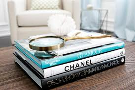 10 stylish ideas about what to put on your coffee and side tables