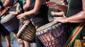 Setelah membahas alat musik ritmis modern alangkah baiknya kita kembali menyinggung tentang alat musik melodis. Pengertian Alat Musik Ritmis Fungsi Dan Jenis Jenis Alatnya Ragam Bola Com