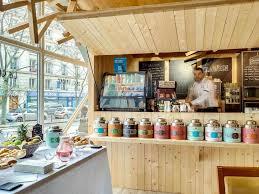 imparable pour votre repas sur le pouce découvrez notre corner coffee corner sur place ou à emporter vous pourrez profiter pleinement de votre