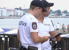 курортной Феодосии общественный порядок в прибрежной зоне охраняет  В курортной Феодосии общественный порядок в прибрежной зоне охраняет велопатруль полиции