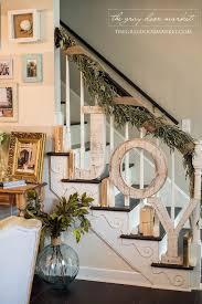 25+ Farmhouse Inspired Christmas Decor Ideas