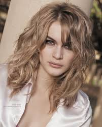 Medium Haircuts Wavy Hair 22 Medium Length Hairdos Perfect For