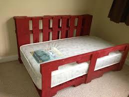 Pallet Bedroom Toddler Pallet Bed O Pallet Ideas O 1001 Pallets