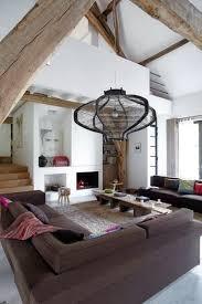 Nice Hauteur Sous Plafond, Poutres Apparentes, Beaucoup Du0027espace Pour Ce Salon  Type Loft Dans Une Grange