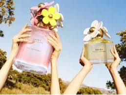 <b>Marc Jacobs</b>: Daisy Eau Fragrance Campaign by Juergen Teller ...