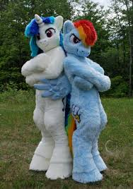 Pony Costume Ideas My Little Pony Costumes Are Way Too Fun Geek On Pinterest
