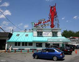 View of City Island Lobster House in ...