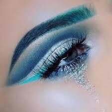 35 eyes makeup idea for blue eye
