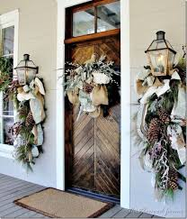 front door decor38 Stunning Christmas Front Door Dcor Ideas  DigsDigs