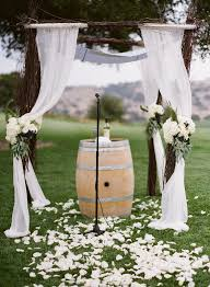stylish rustic wedding ceremony altar ideas with barrels