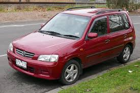 File:2000 Mazda 121 (DW Series 2) Metro Limited Edition hatchback ...