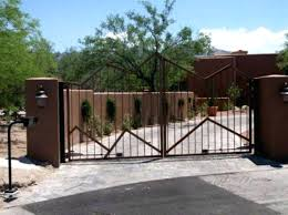 automatic fence gate workerscollaborg