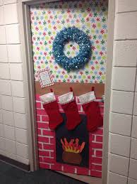 Dorm door Christmas decorations. @Mackensie Wittmer Weilnau you and Erin  should do this