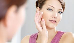 applying primer can actually avoid some make up flaws such as noticeable pores scars and redness around your face it s a magic tool to plete your
