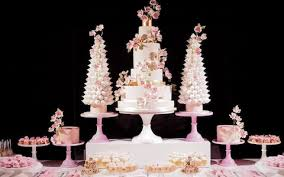 A Complete Guide To 2018s Top Wedding Cake Trends