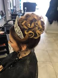 Hairs & Graces - This tiara 😍👰👸🏼 Abigail Nichols had a... | Facebook