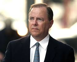 Jeff Skilling arrives at the Federal Courthouse in Houston, Texas, on April 3, 2006. - enron-jeff-skilling-prison