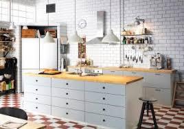 Cuisine Blanche Plan De Travail Bois Avec Tapis 160x230 Cm Milan