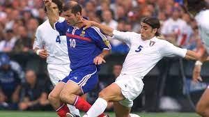 زيدان: الفوز بيورو 2000 مهّد لانتقالي لريال مدريد