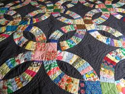 Double Wedding Ring Quilt | Double wedding rings, Double wedding ... & double wedding ring quilt - always loved this pattern. looks much more  modern with black background. Adamdwight.com