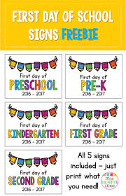best ideas about kindergarten first day starting first day of school signs for preschool
