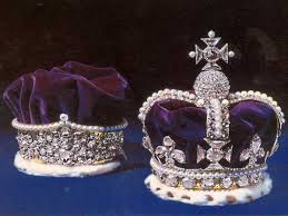 تيجان ملكية  امبراطورية فاخرة Images?q=tbn:ANd9GcRmfoRTMsZ_IViA9b6Ur0uyh_UBowKwEpBFVNp4sohy51tJuiQRYw