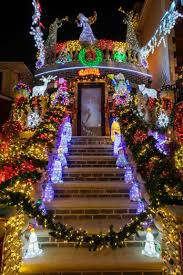 Dyker Heights Christmas Lights Tour 2017 See This Years Completely Outrageous Dyker Heights