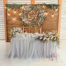 wedding decorations for tables. We\u0027re Loving This Stunning Wreath As The Backdrop Of A Sweetheart Table. Head Table Wedding DecorationsRustic Decorations For Tables