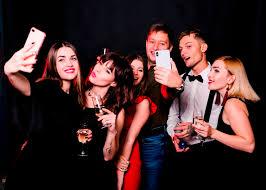 22 Selfie Captions For National Selfie Day Captionwala