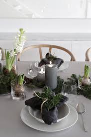 Christmas Table Setting An Easy Christmas Table Setting Stylizimo