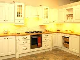 what to use to clean wood kitchen cabinets cleaning wood kitchen cabinets what cleaning old wooden