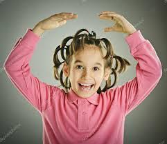 髪型と子供の面白い肖像画 ストック写真 Zurijeta 98311804