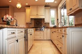 Waypoint Living Spaces Style 720 In Maple Hazelnut Glaze Kitchen