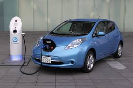 three cars that will help you weather a hurricane gas shortage nissan leaf charging