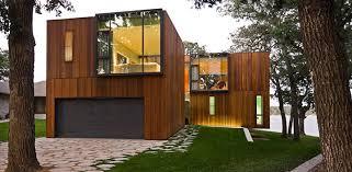 Gostei do detalhe no muro da frente, marcando o número da casa. 15 Fachadas De Madeira Modernas E Elegantes