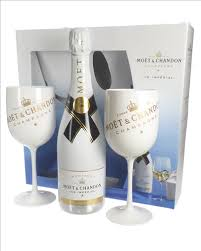 moet and chandon ice imperial chagne gift set with flute gles