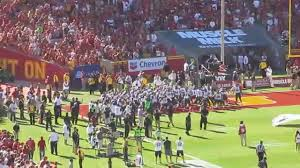Hawaii Haka & Football Entrance @ USC ...